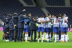 Roda no fim dos jogos é um dos momentos em que Sérgio Conceição tem puxado pelo orgulho dos jogadores