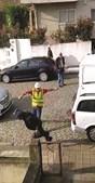 Ladrão ameaça com navalha e foge no Porto
