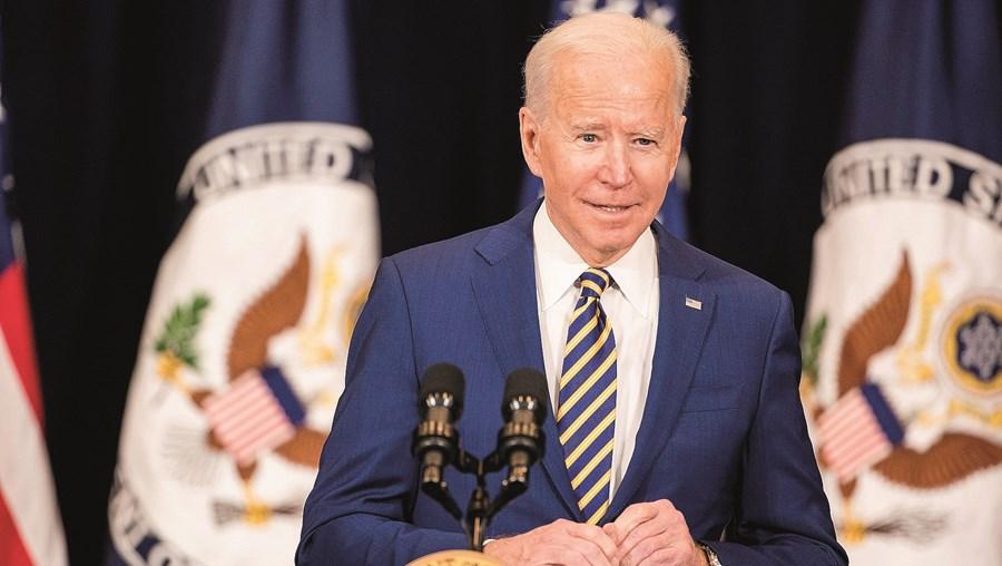 Os esforços de Biden com a vacinação contra a Covid-19 começam a notar-se