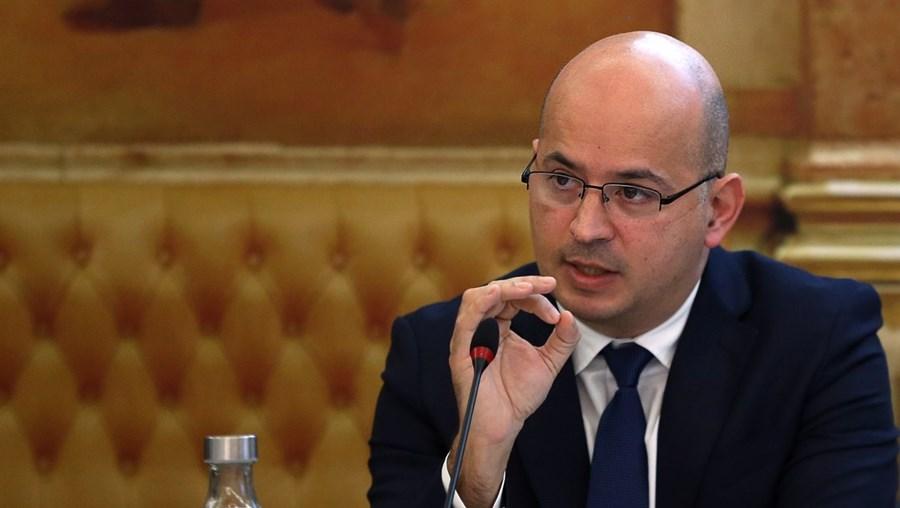 Ministro das Finanças , João Leão, respondeu ontem aos deputados