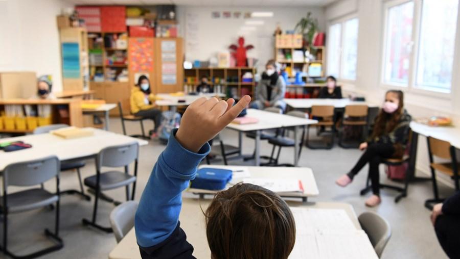 Escolas reabrem na Alemanha após dois meses fechadas