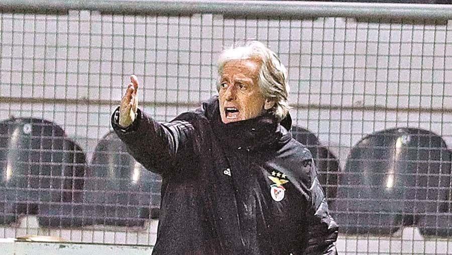Jorge Jesus pressionado para levar o Benfica à Champions