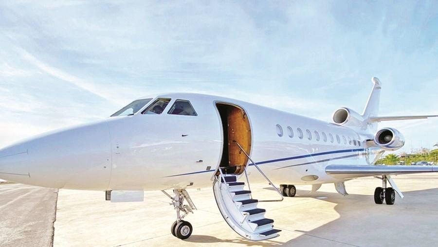 O Falcon 900 B ficou retido  no Brasil, após terem sido descobertos 500 quilos de cocaína na fuselagem