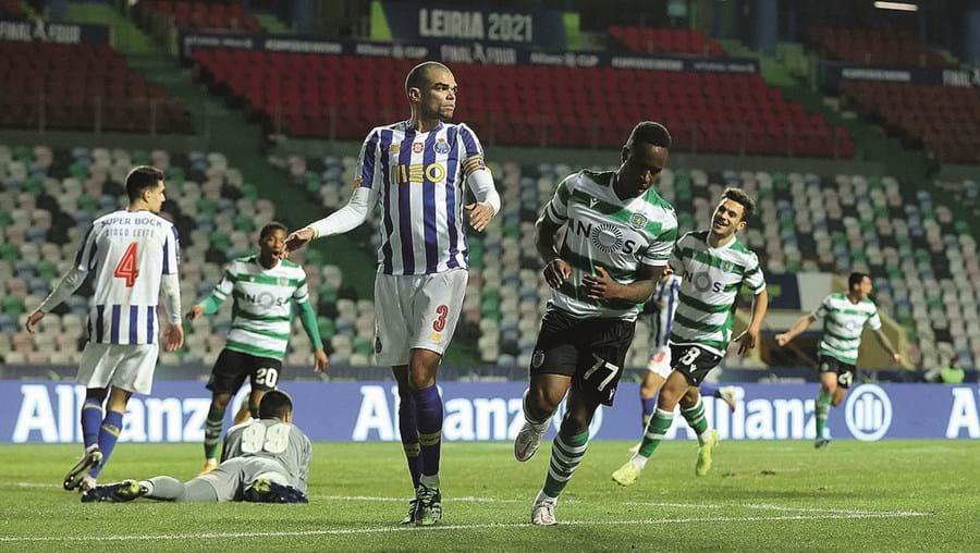 Jovane Cabral fez um bis aos 86' e 90+4' e eliminou o FC Porto da Taça da Liga