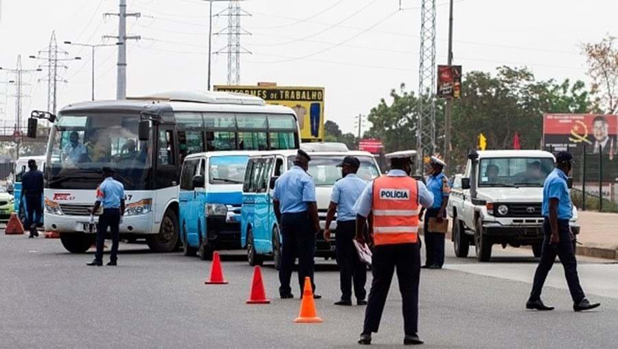 Táxis em Angola