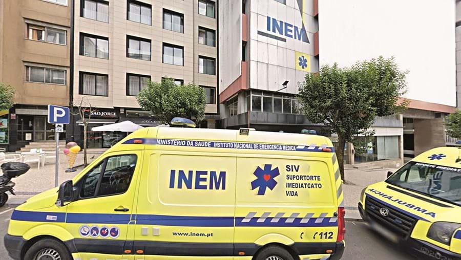 Grupo de trabalhadores do INEM do Norte indignados por não terem sido acauteladas reservas