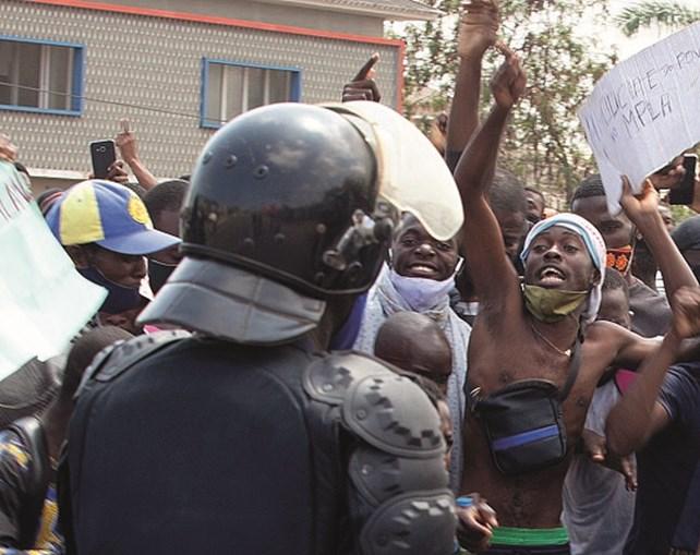 Polícia em Angola