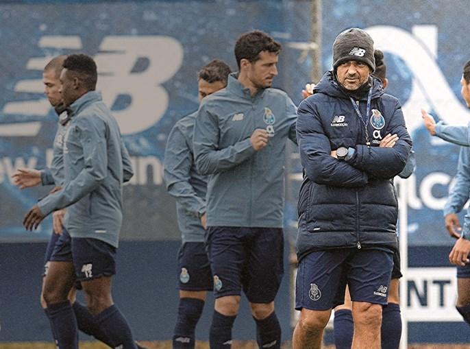 """Sérgio Conceição confessou ontem que """"não é normal"""" as suas equipas sofrerem tantos golos e que """"os jogadores sabem o que se passa"""""""