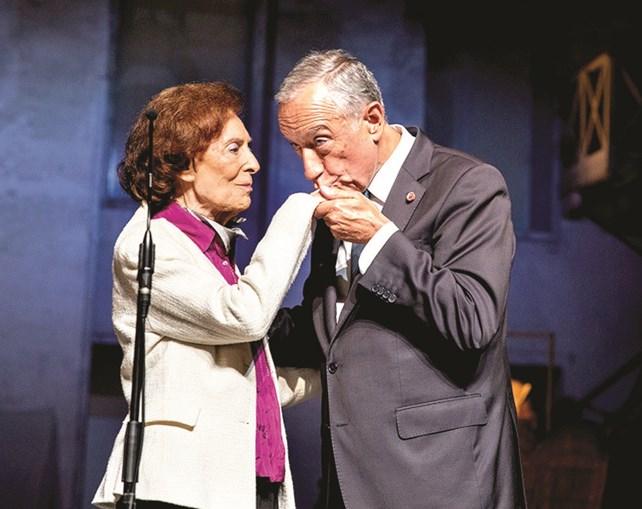 Carmen Dolores agraciada pelo Presidente Marcelo Rebelo de Sousa