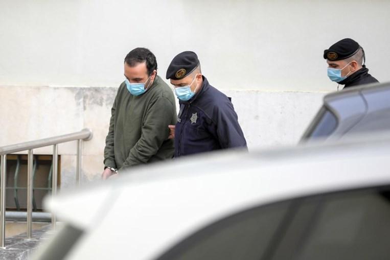Sandro, pai de Valentina, chega ao tribunal de Leiria