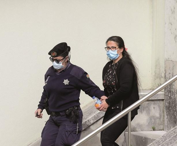 Márcia regressou à cadeia de Tires. Está visivelmente mais magra, após nove meses presa