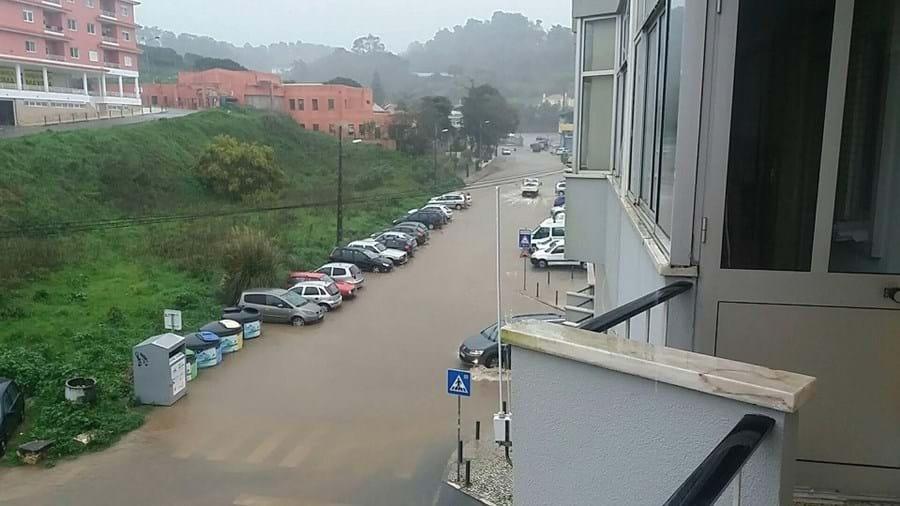 Sintra com estradas inundadas