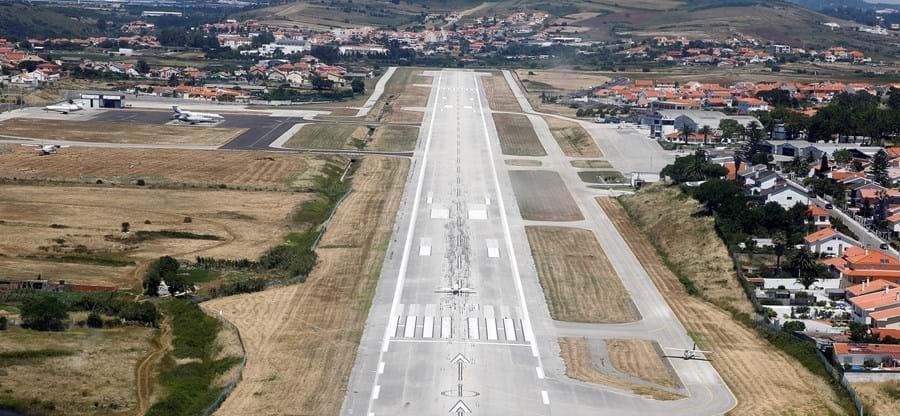 Aeródromo de Tires fica localizado no concelho de Cascais