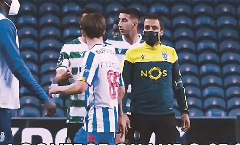 Pedro Porro tentou cumprimentar Francisco Conceição no final do jogo, mas ficou de mão estendida e ainda foi ofendido pelo jovem portista