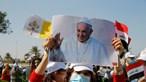 Papa Francisco já aterrou no Iraque com dispositivo de alta segurança. Veja as imagens em direto