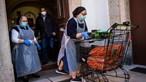 Desemprego transforma ajudante de cozinha em 'gestora': Isabel tem 400 euros para família de cinco