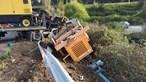 Dois irmão feridos em capotamento aparatoso de camião em Braga