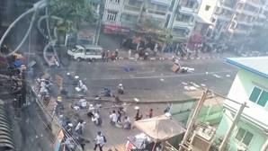Protestos em Myanmar continuam com confrontos e violência