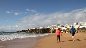 Turismo algarvio sofre perdas de 800 milhões de euros