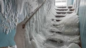 Impossível não se arrepiar: Conheça a cidade-fantasma na Rússia onde as temperaturas atingem os -50ºC. Veja as imagens