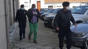 Homem que matou 'amigo' com seis facadas acusado de homicídio simples