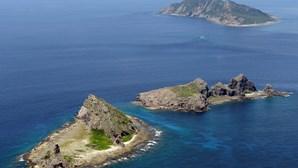 Guarda Costeira japonesa procura cinco tripulantes de navio pesqueiro chinês