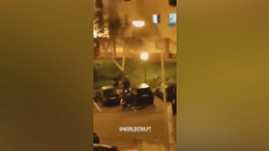 Segunda noite de confrontos em bairro de Oeiras. Polícias apedrejados por moradores