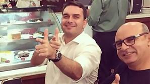 Aquisição de imóveis por parte de Flávio Bolsonaro levanta suspeitas