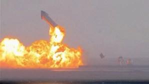 Foguetão da SpaceX explode minutos após aterrar