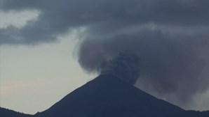 Vulcão Pacaya na Guatemala entra em erupção. Veja as imagens