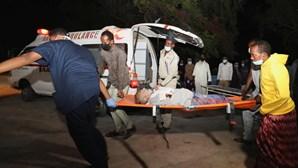 Explosão de carro-bomba provoca pelo menos 20 mortes na capital da Somália
