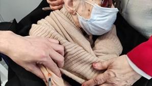 Idosas com mais de 100 anos vacinadas contra a Covid-19 em Matosinhos
