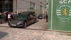 Cortejo fúnebre de Maria José Valério passou por Alvalade para o último adeus