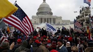 Extremistas do ataque ao Capitólio tinham contacto próximo de Donald Trump na Casa Branca