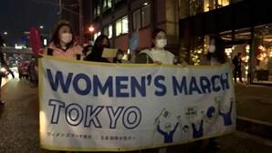 Mulheres protestam pela igualdade de género em Tóquio