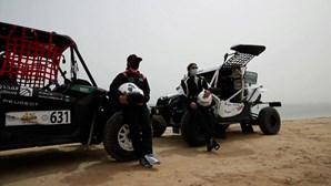 Condutoras sauditas participam pela primeira vez em rally e vencem corrida