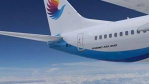 Pancadaria entre piloto e assistente de bordo durante voo acaba com dentes e braço partidos