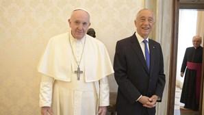 Marcelo Rebelo de Sousa e Papa Francisco conversam no Vaticano