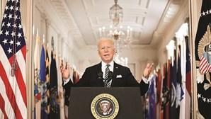 Biden define 4 de julho como ponto de viragem no combate à pandemia da Covid-19