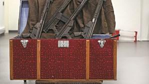 Séculos de crimes violentos: As armas que fizeram parte da história e são agora relíquias de museu