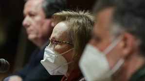 """""""Reações extremamente graves"""", diz Graça Freitas após suspensão da vacina da AstraZeneca"""