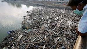 Polícia que desapareceu em tsunami há 16 anos encontrado em hospício na Indonésia
