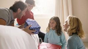 Homens que se preocupam em cuidar dos filhos têm tendência a cuidar mais de si, afirma DGS