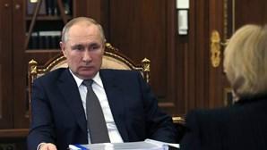Rússia promete aumentar fornecimento de gás à Europa e estabilizar o mercado