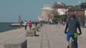Regresso da Primavera com sol leva muitas pessoas à rua