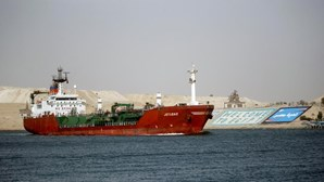 Presidente do Egito aprova projeto de alargamento do Canal do Suez