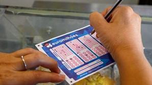 Segundo prémio do Euromilhões no valor de mais de 500 mil euros voa para Portugal