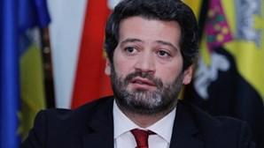 """Ventura exige explicações a Costa sobre situação """"caricata"""" de não ter declarada nenhuma conta à ordem"""
