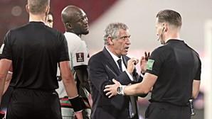 Fernando Santos garante braçadeira a Cristiano Ronaldo