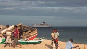 Moçambique recupera 66 contentores de madeira apreendida que ia para a China